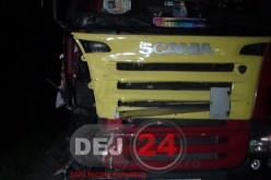Accident în Dej. Un TIR a acroșat un autocar, șoferul nu a suflat în etilotest