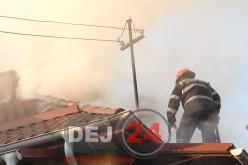 Incendiu la acoperișul unei case din Dej
