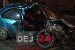 Accident în Dej. O mașina s-a izbit violent de un gard – FOTO/VIDEO