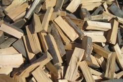 Material lemnos confiscat de polițiști pe raza localității Uriu