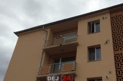 Pompierii dejeni au intervenit la o femeie blocată în locuință – FOTO