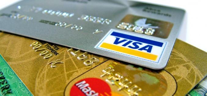 O nouă măsură a intrat în vigoare de la 1 ianuarie. Plata cu cardul, OBLIGATORIE și la micii comercianți!