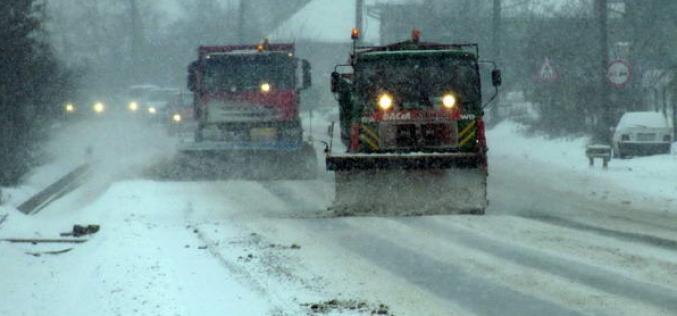 CLUJ | Situația drumurilor județene. Peste 500 de tone de material antiderapant împrăștiat pe carosabil