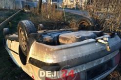 S-a răsturnat cu mașina în afara părții carosabile, în Sânmărghita. Nu avea permis