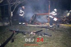 Incendiu la ieșire din Gherla. Intervenție grea pentru pompierii dejeni – FOTO