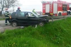 """Încă un accident rutier în care un parapet a """"secționat"""" o mașină a avut pe raza localității Uriu – FOTO"""