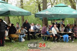 Metalicplas, 20 de ani de la înființare. Angajații, împreună cu Ioan Tecar au sărbătorit în Pădurea Bungăr – FOTO/VIDEO