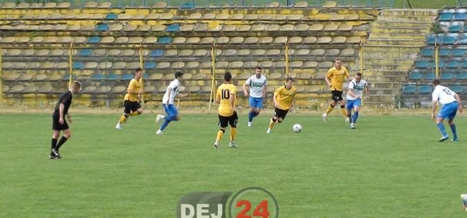 FC Unirea Dej întâlnește astăzi, în deplasare, formația CS Oșorhei. Dejenii vin după 8 meciuri fără înfrângere