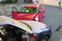 Două autoturisme s-au ciocnit pe o stradă din centrul Dejului – FOTO/VIDEO