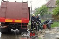 Inundații la Dej. Pompierii au intervenit în Viile Dejului – FOTO/VIDEO