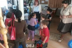 Preșcolarii de la Grădinița Piticot Dej, vizită cu scop caritabil la Centrul de tip familiar Gherla – FOTO