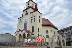 Procesiune cu moaștele Sf. Anton de Padova la Dej. Se sfințește Biserica Sf. Gheorghe din Ocna-Dej