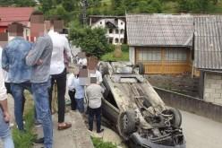 Șofer din Gherla, implicat într-un accident în Rebra. S-a răsturnat cu mașina – FOTO