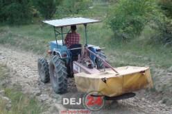 Tânăr din comuna Cășeiu, fără permis, la volanul unui tractor neînregistrat, prin Rugășești