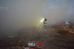 Incendiu VIOLENT pe strada Țibleșului din Dej. Foc pus intenționat? – FOTO/VIDEO
