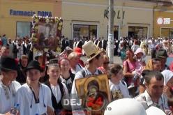 Sute de PELERINI au mers pe jos, 7 kilometri, până la Mănăstirea Nicula – FOTO/VIDEO