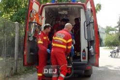 GRAV ACCIDENT la Câțcău. Mopedist beat, izbit de un autoturism
