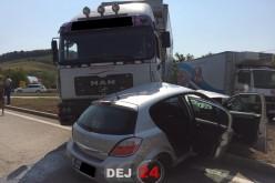 GRAV ACCIDENT la Bunești. Trei victime, între care un COPIL SUGAR, în urma IMPACTULUI dintre un TIR și un AUTOTURISM – FOTO/VIDEO