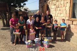 Acțiune caritabilă a TSD Dej. Rechizite și hăinuțe pentru copilașii din Rugășești și Salatiu – FOTO
