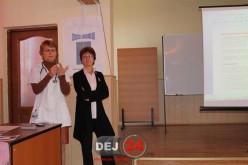 """Campanie împotriva cancerului la sân, derulată la Liceul Tehnolgic """"Constantin Brâncuși"""" din Dej – FOTO"""