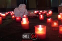 Lumânări aprinse în memoria copiilor plecați prea curând dintre noi, la Dej – FOTO/VIDEO