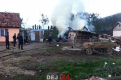 Pompierii din Dej au intervenit pentru stingerea unui incendiu în Cășeiu – FOTO