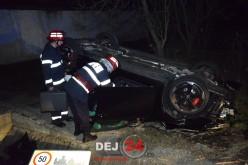 ACCIDENT cu o VICTIMĂ la ieșire din Dej. Un autoturism a ajuns cu roțile în sus – FOTO/VIDEO