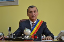"""""""La mulți ani"""" polițiștilor dejeni, din partea primarului municipiului Dej"""