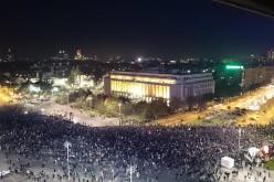 Peste 30.000 de oameni au ieșit în stradă și cer demisiile lui Piedone, Oprea și Ponta