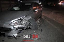 ACCIDENT rutier în fața Gării CFR Dej Călători. Două autoturisme, serios avariate – FOTO/VIDEO