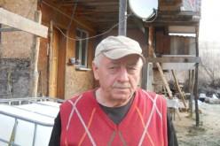 Reportaj: După o afacere de succes, un bărbat din Dej, falimentat de bănci, s-a retras în mijlocul pădurii