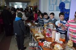 """Expo-târg de Crăciun la Școala Gimnazială """"Mihai Eminescu"""" Dej – FOTO"""