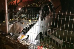 ACCIDENT în Cuzdrioara. Un autoturism de teren a distrus un gard – FOTO/VIDEO