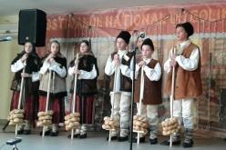 """Grupul """"Olpret"""" al școlii din Bobâlna, premiul I la un festival-concurs de colinde"""