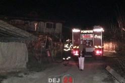 Pompierii din Dej au intervenit la un incendiu pe strada Valea Codorului – FOTO