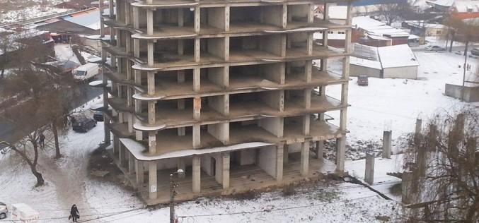 ÎN SFÂRȘIT! Situația blocului V03 va fi deblocată. Ce au decis consilierii? – FOTO/VIDEO