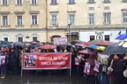 Cluj-Napoca | Comunitatea penticostală, protest de amploare pentru familia Bodnariu