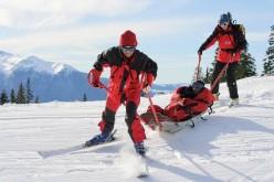 Bărbat din Cluj RĂNIT la schi! A fost preluat de salvamontiști de pe Partia Șuior