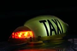 Taximetriștii aflați în fața Aeroportului Internațional Cluj au fost luați la puricat