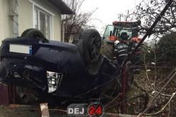 Accident la Bunești. Un șofer din Dej a plonjat cu mașina într-o curte – FOTO/VIDEO