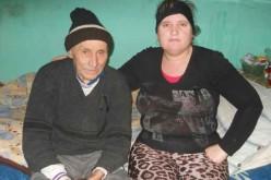 Cuplu INCREDIBIL la Sântioana – El, 91 de ani, ea 38 – FOTO