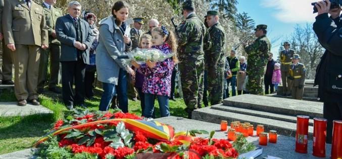 """""""Ziua Veteranilor"""" va fi marcată mâine și la Dej, la mormântul maiorului P.M. Vasile Unguraș"""