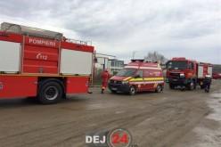 Incendiu VIOLENT la o fabrică din Dej. Victime intoxicate cu fum, salvate de pompieri – FOTO/VIDEO