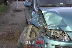 Accident pe strada Libertății din Dej. Două mașini au intrat în coliziune – VIDEO