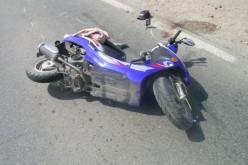 ACCIDENT în Sânmărghita. Doi minori, aflați pe un moped, au fost răniți