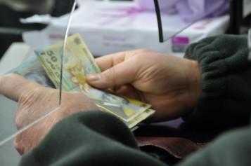 Din toamnă, românii îşi vor putea plăti online taxele şi impozitele