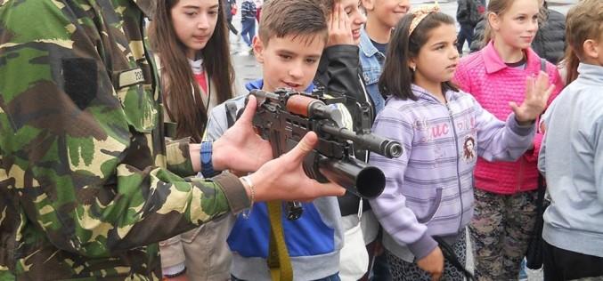 """""""Armata – o şcoală altfel"""" la Batalionul 811 Infanterie Dej – FOTO"""