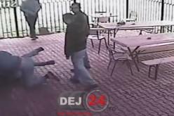 BĂTAIE pe o terasă din Dej. Doi bărbați ȘI-AU REGLAT CONTURILE – CAMERE DE SUPRAVEGHERE