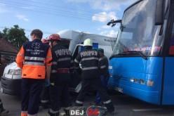 Autocarul echipei de fotbal FCM Baia Mare, implicat într-un accident de circulație, pe DN1C, în Coplean – FOTO/VIDEO