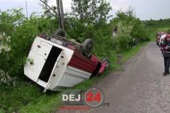 ACCIDENT la Petrești. O mașină a ajuns cu roțile în sus – FOTO/VIDEO